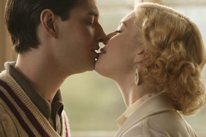 Easy Virtue (R: Stephan Elliott)